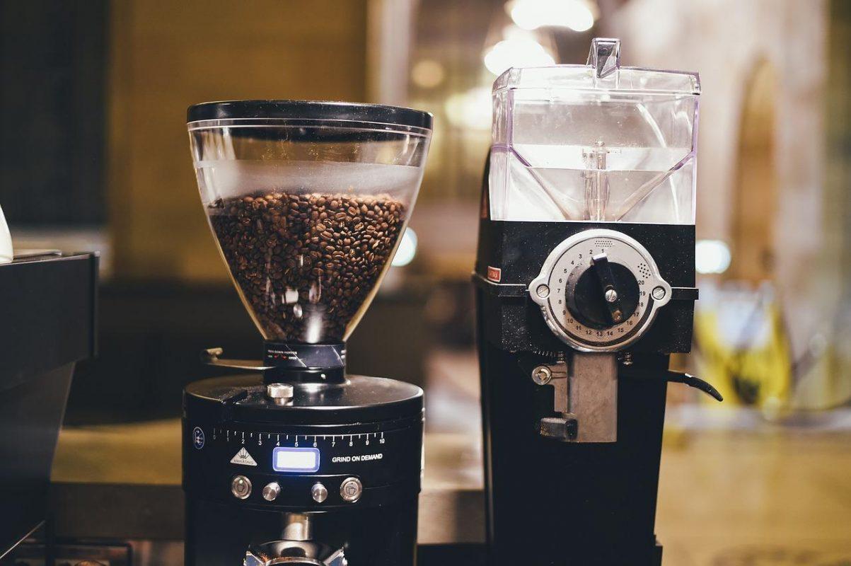 Machine à café à grain : comment choisir la meilleure cafetière à grain ?