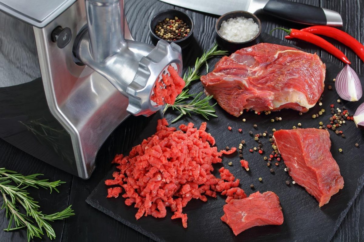 Hachoir à viande électrique : comment choisir le meilleur ?